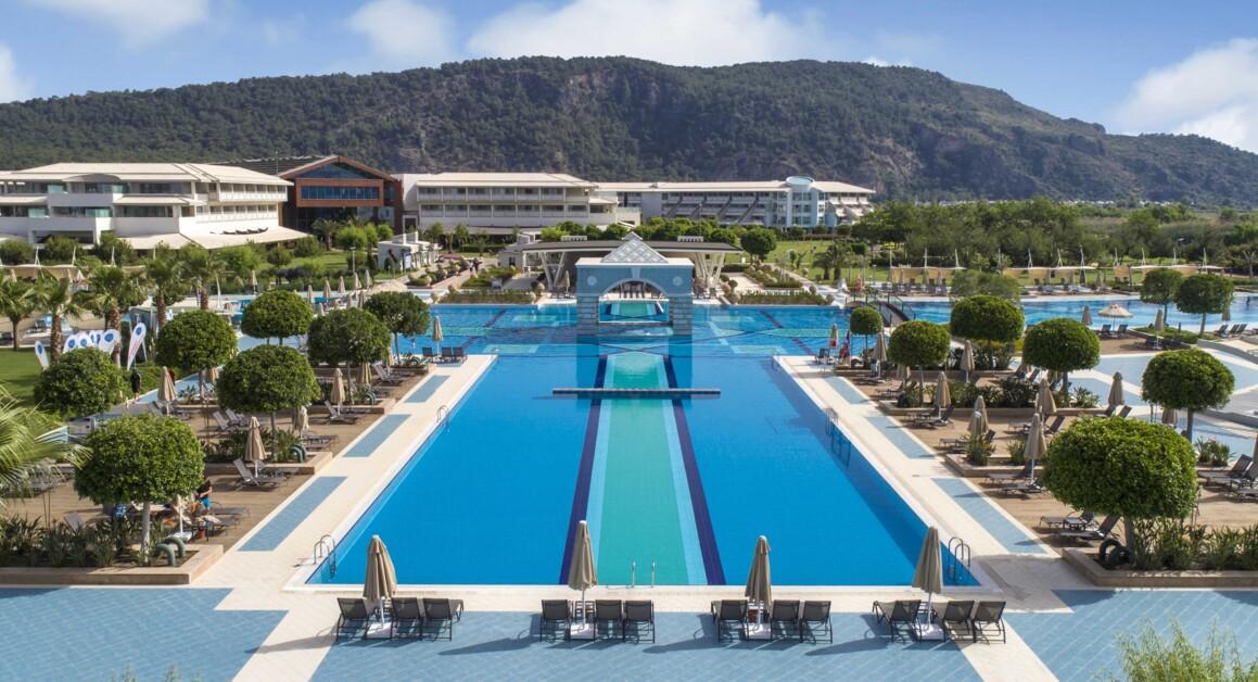 И вашим, и нашим: что нужно знать об отеле Hilton Dalaman Sarigerme Resort & Spa