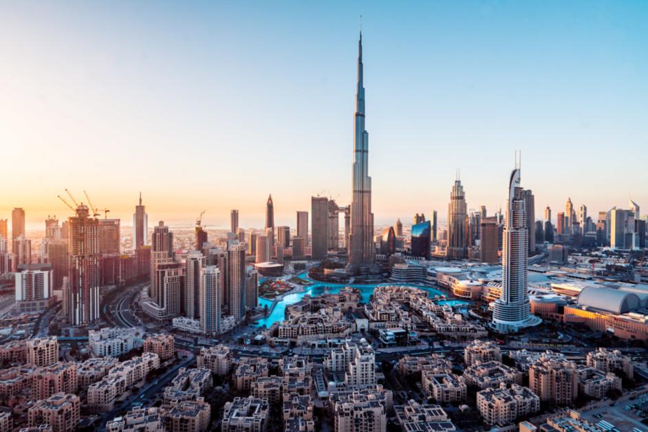Воспоминания о будущем: где жить и что смотреть в ОАЭ