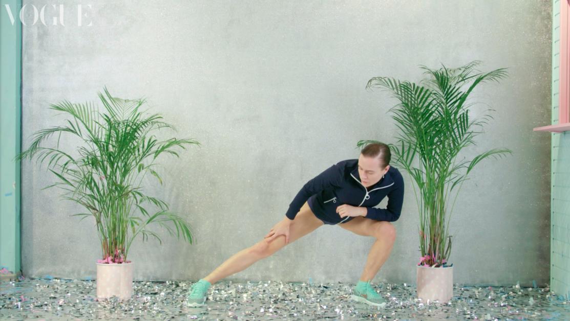 Тренировка на ноги от Нади Шаповал #VogueUAChallenge   Vogue Ukraine