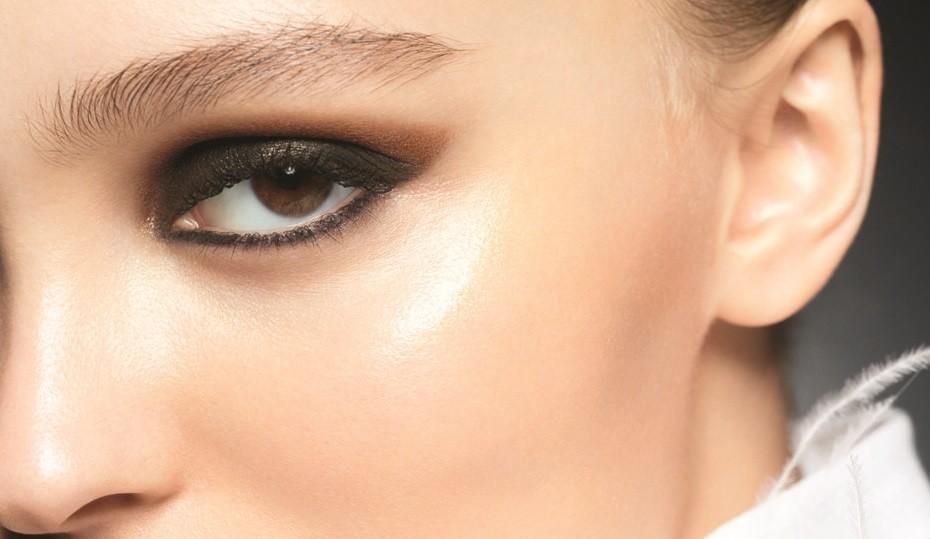 Лили-Роуз Депп – лицо новой коллекции макияжа Chanel