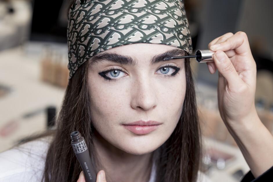 Головні помилки в макіяжі брів