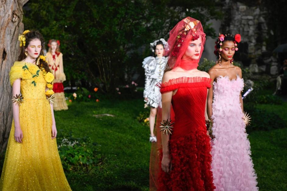 Увиты розами: наивные бьюти-образы на шоу Rodarte