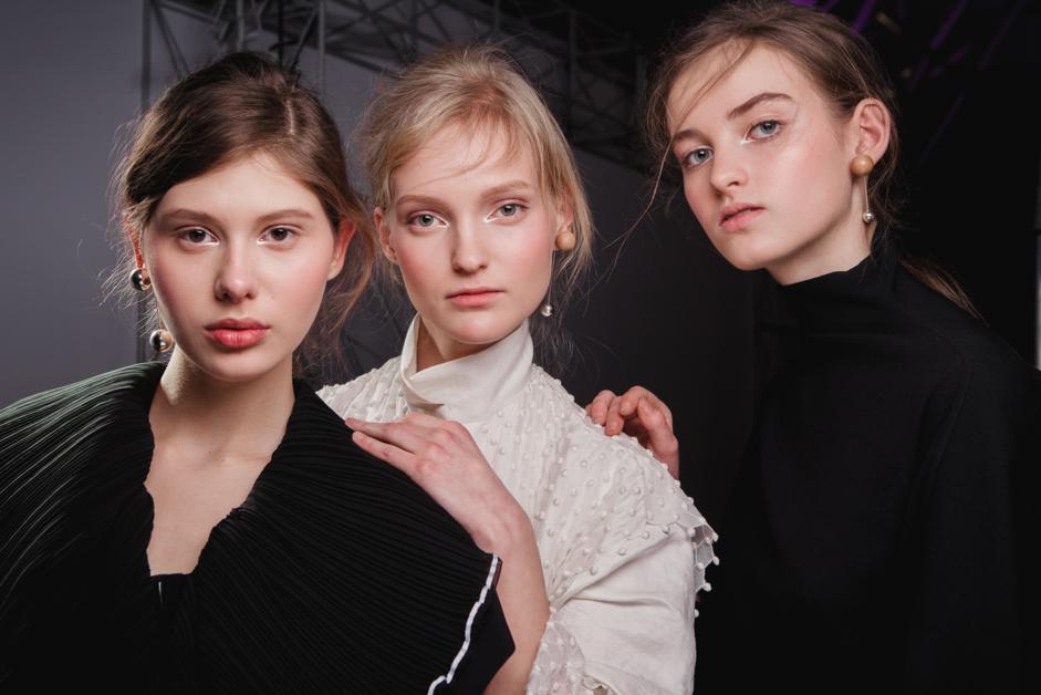 Макияж без макияжа на шоу Litkovskaya осень-зима 2017/2018
