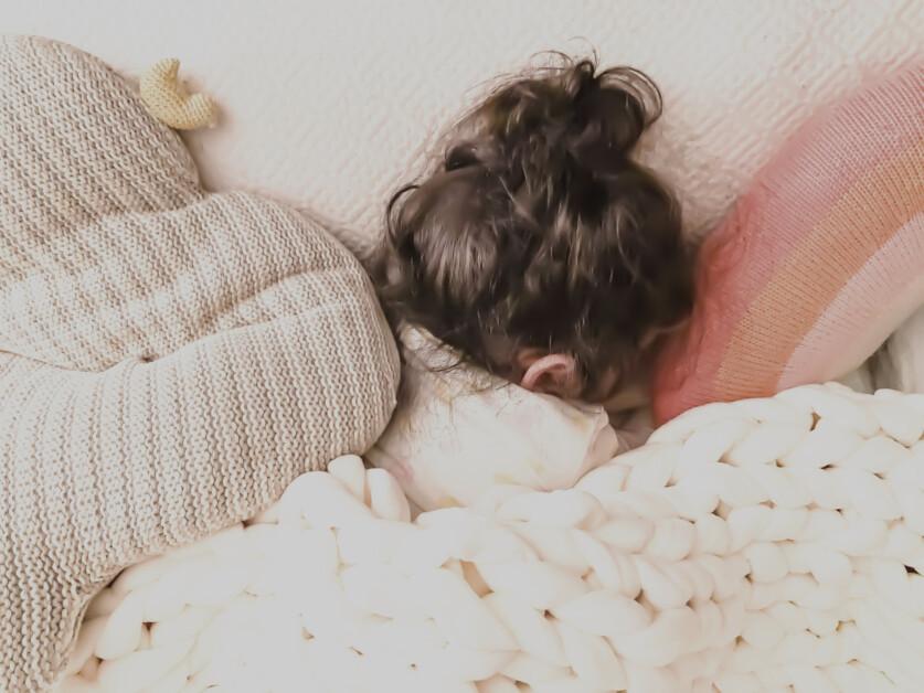 Тяжелое одеяло – главная покупка осени