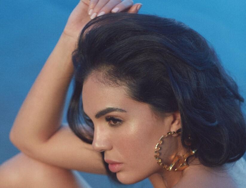 Предчувствие лета: бьюти-съемка из февральского номера Vogue UA