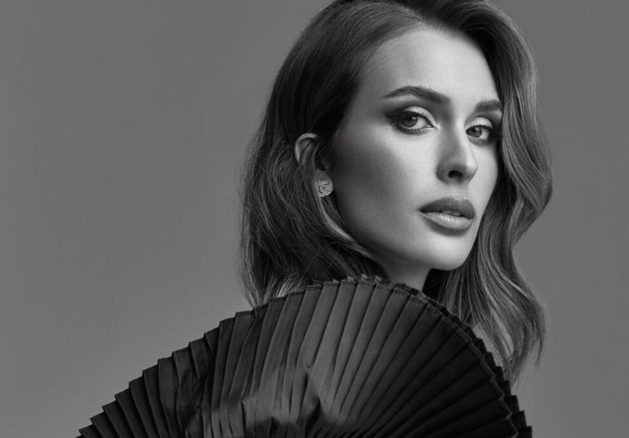 Нові осінні образи королеви Летиції | Vogue Ukraine - Vogue UA