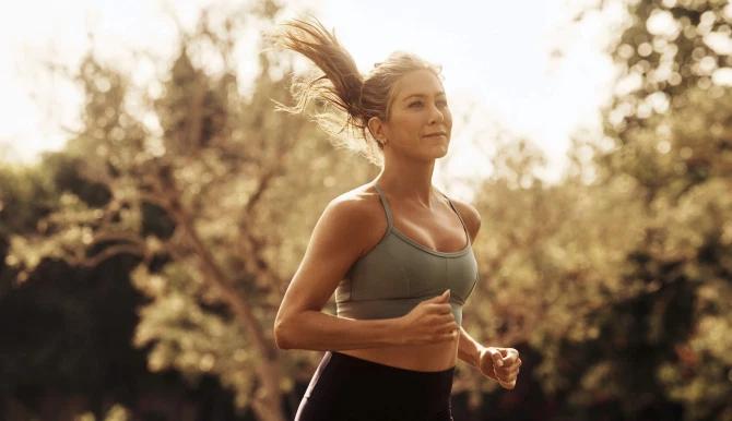 Дженнифер Энистон снялась в неожиданной рекламной кампании