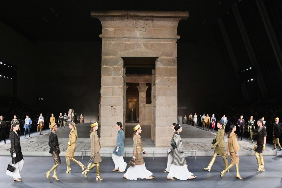 Міфи Стародавнього Єгипту: показ Chanel Métiers d'Art в Метрополітен Музеї