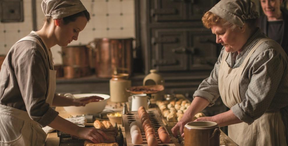 """Звана вечеря: 4 королівські страви з """"Книжки рецептів Абатства Даунтон"""""""