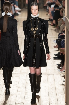 b43253e799a Новая коллекция Valentino Couture. Коллекция женской мужской одежды  Valentino Couture сезона осень-зима 2016 2017. - Vogue UA