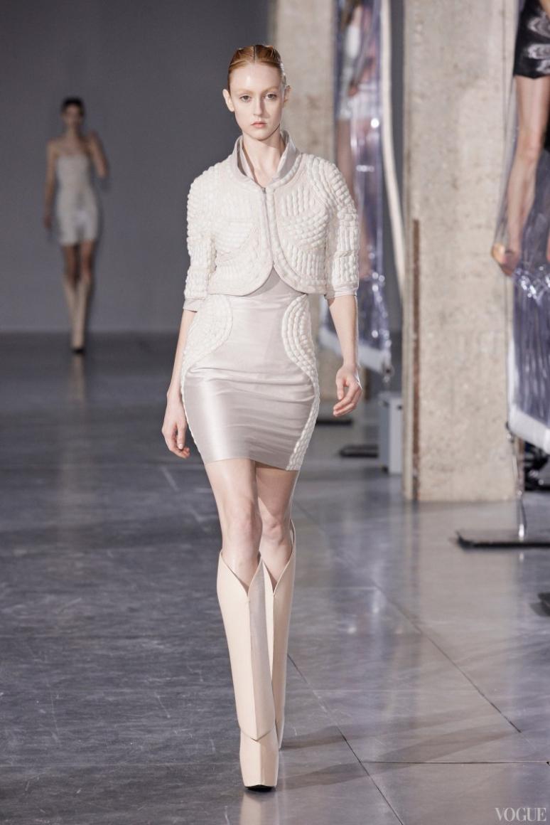 Iris Van Herpen осень-зима 2014/2015 #9