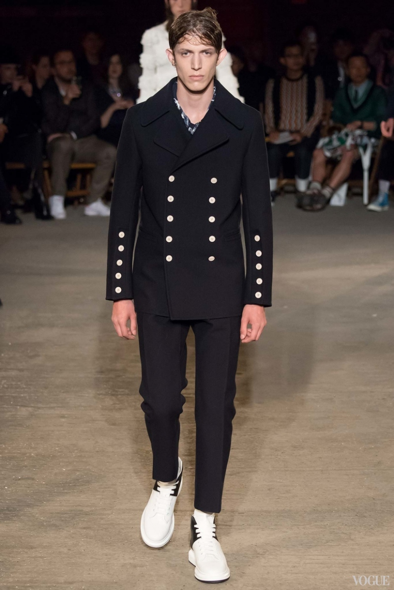 Alexander McQueen Menswear весна-лето 2016 #24