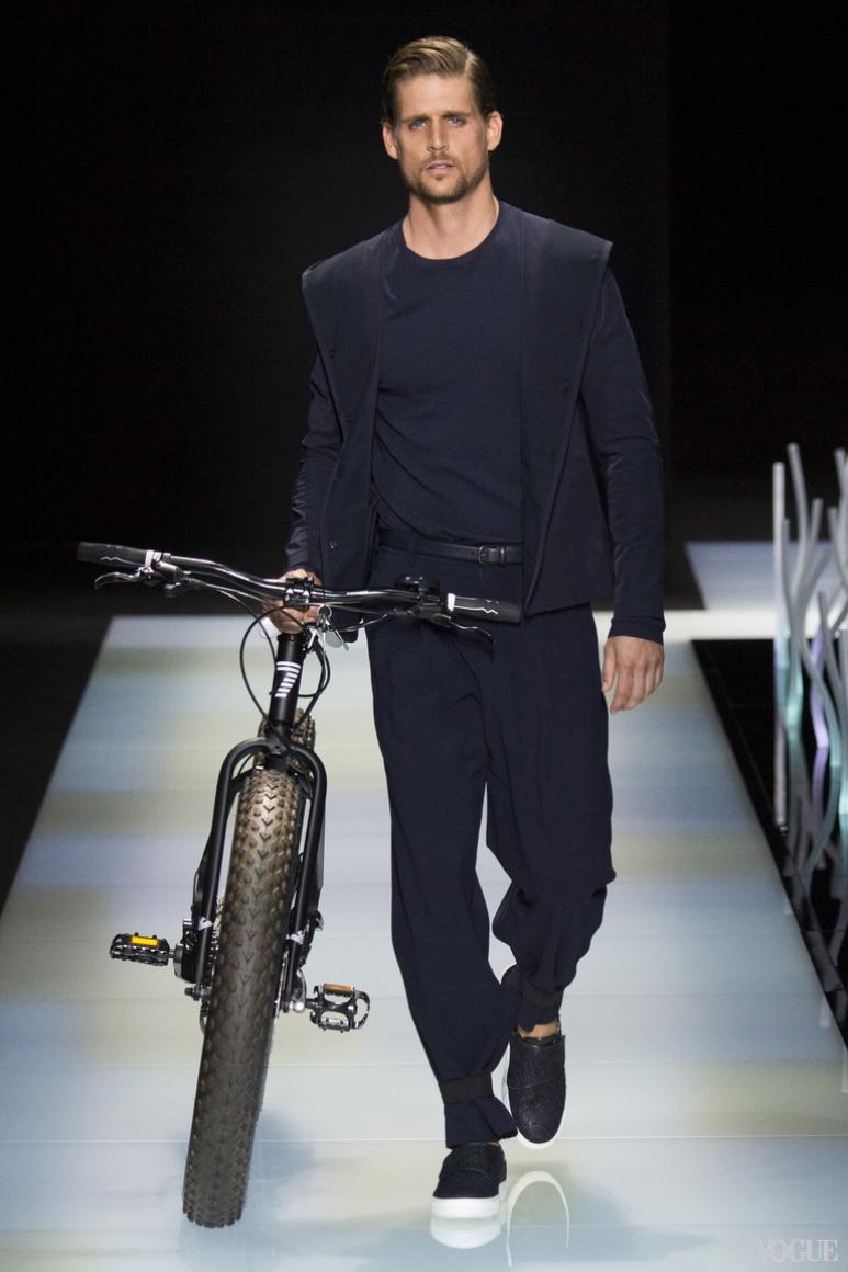 Giorgio Armani Menswear весна-лето 2016 #19