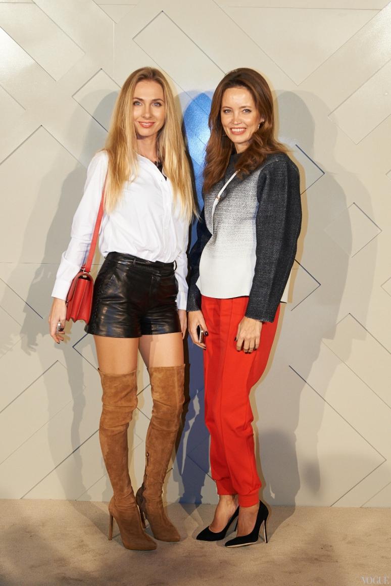 Иванна Никонова (справа)