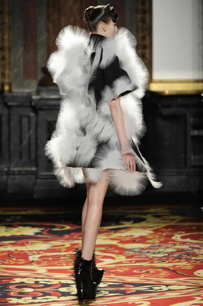 Iris Van Herpen Couture весна-лето 2013 #8
