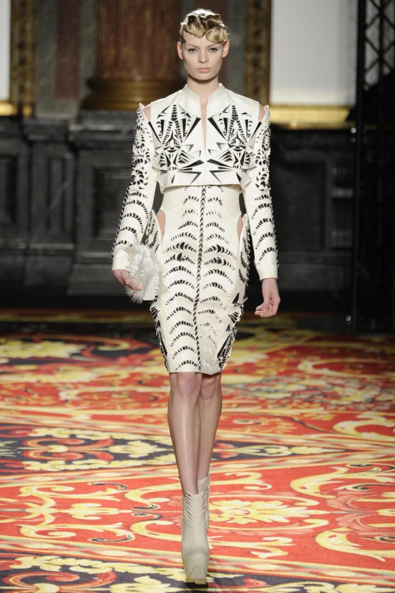 Iris Van Herpen Couture весна-лето 2013 #2