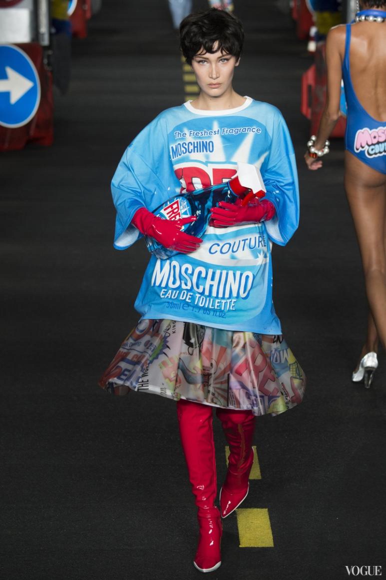 Moschino весна-лето 2016 #19