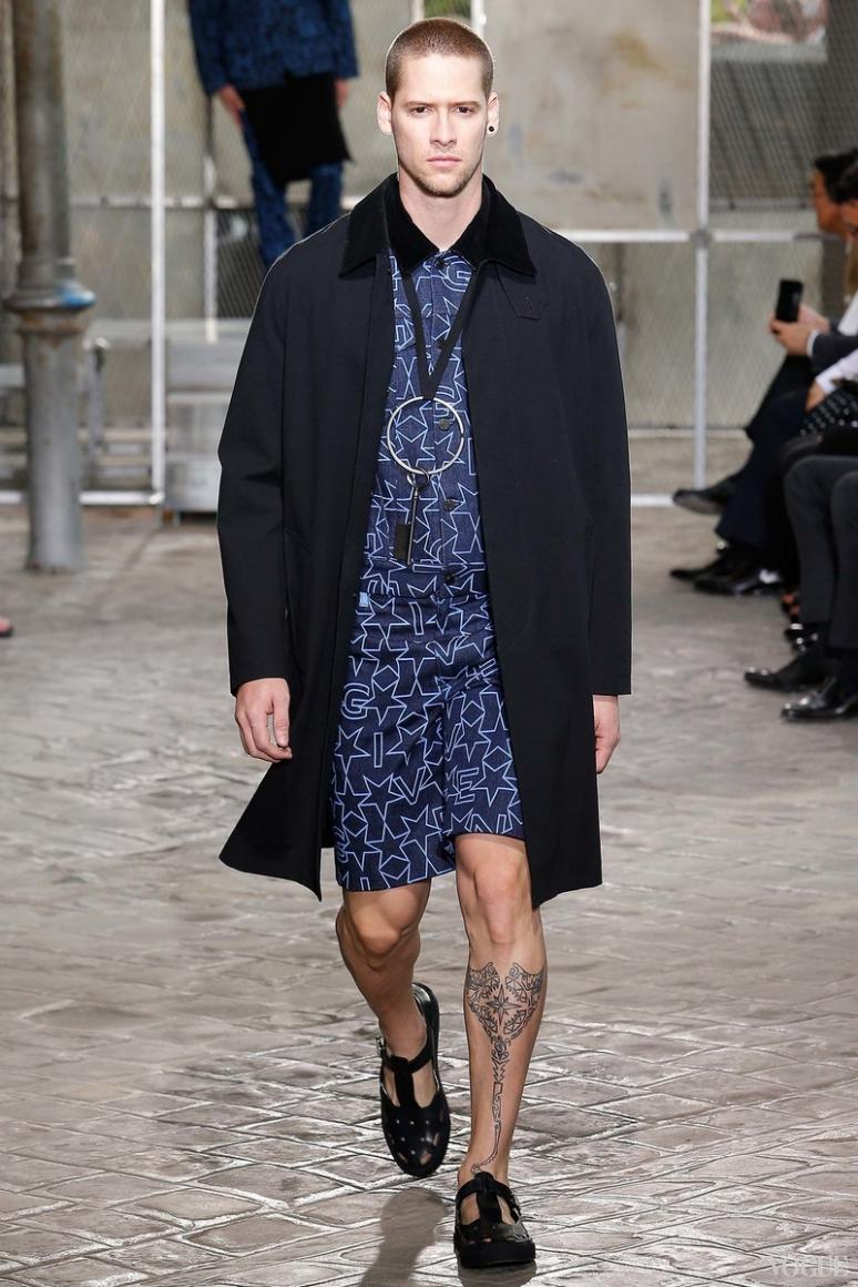Givenchy Menswear весна-лето 2016 #39
