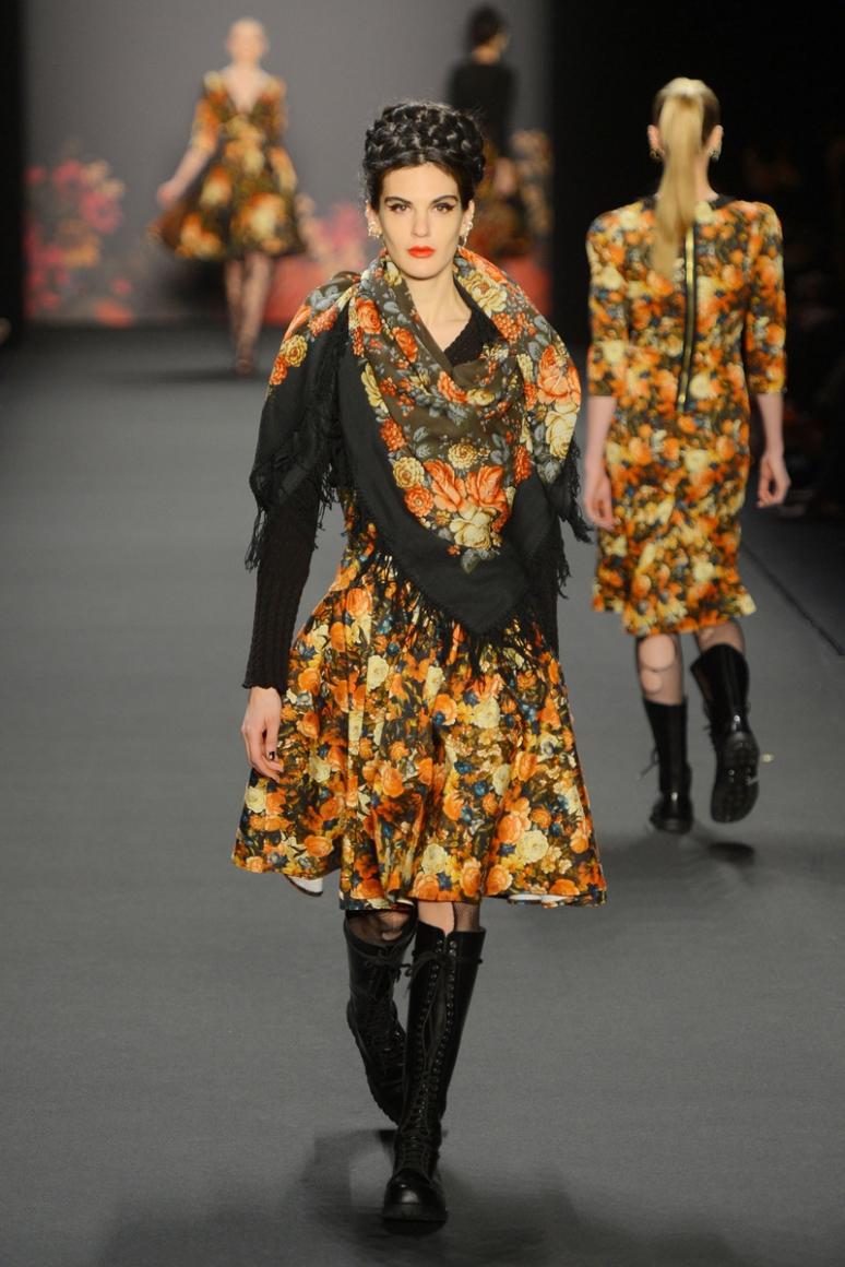 modern russian clothing - 700×1053