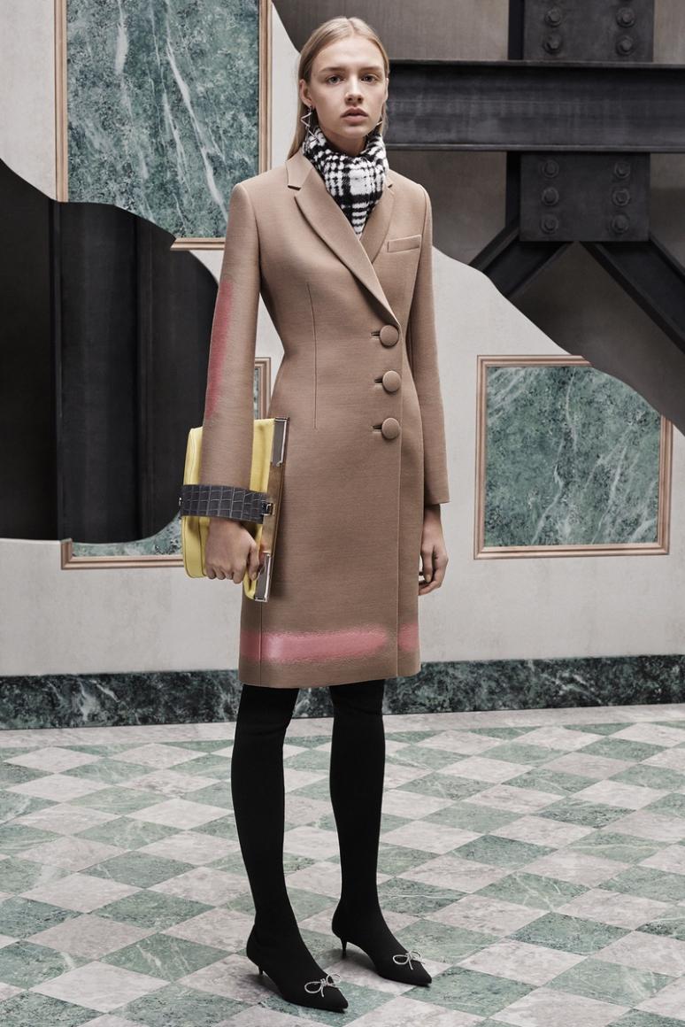 Balenciaga Pre-Fall 2015 #30