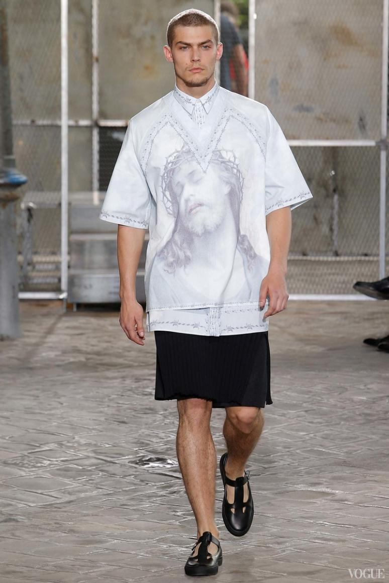 Givenchy Menswear весна-лето 2016 #18