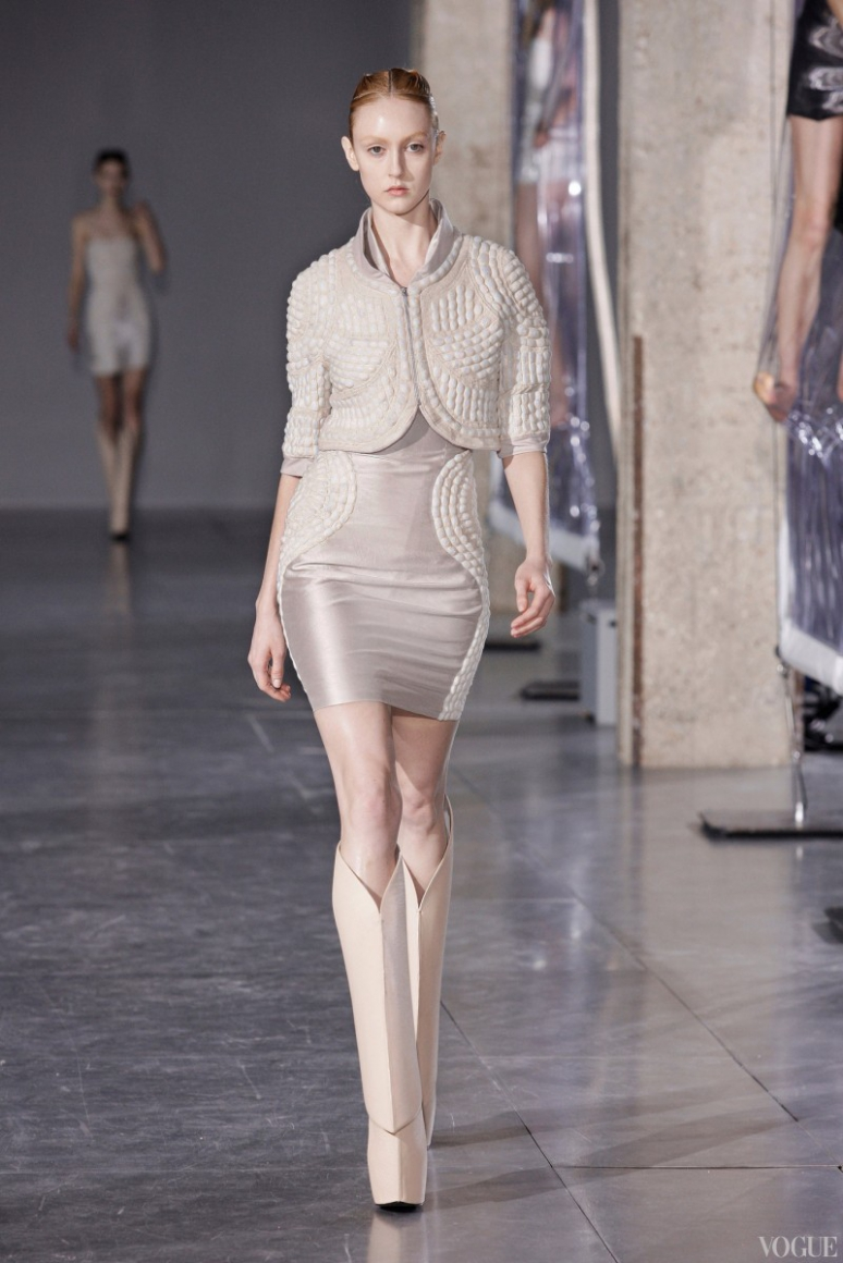 Iris Van Herpen осень-зима 2014/2015 #18
