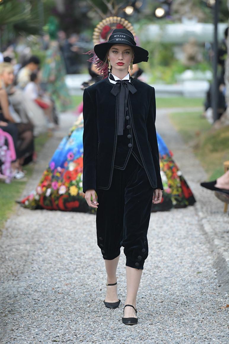 5b41d92554027 - Dolce&Gabbana Alta Moda: на романтичной волне