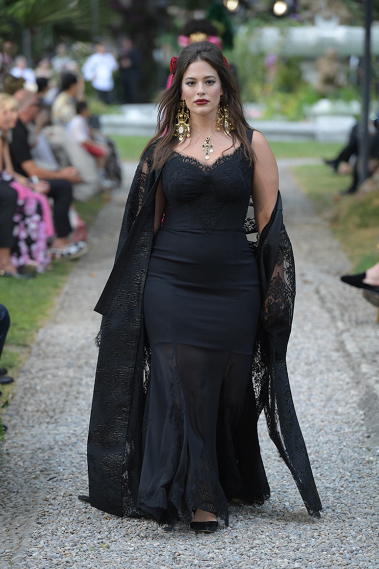5b41d92ad33f0 - Dolce&Gabbana Alta Moda: на романтичной волне