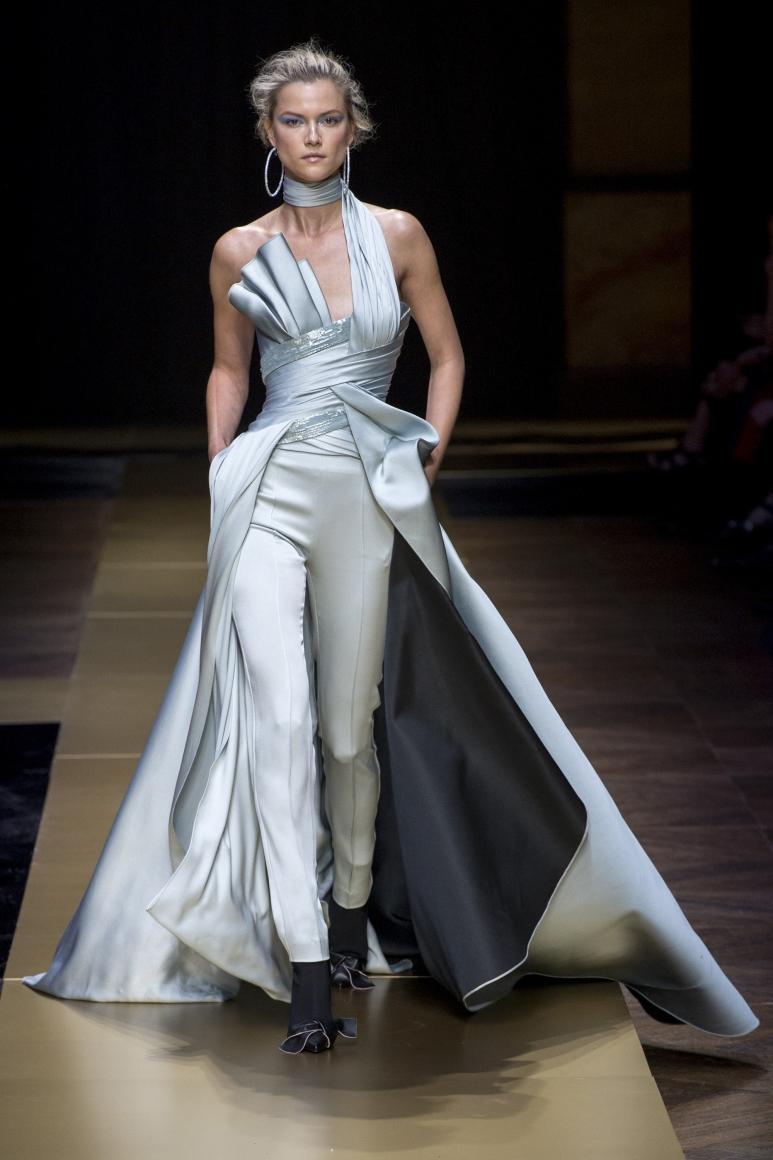 предложено уточнить фото лучших дизайнерских коллекций платьев публикациях чаще всего