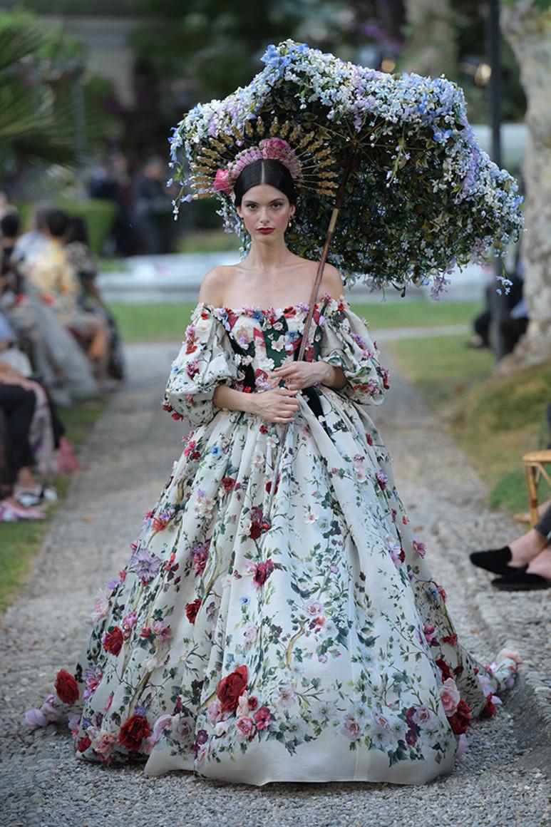 5b41d9398387d - Dolce&Gabbana Alta Moda: на романтичной волне