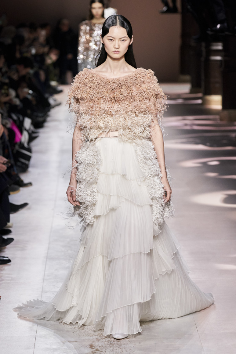 5e281ded12c84 - GIVENCHY COUTURE SPRING SUMMER 2020