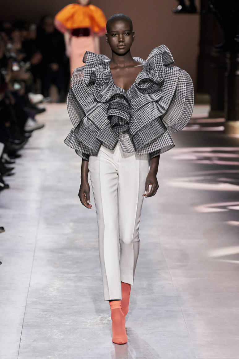 5e281d82e5d48 - GIVENCHY COUTURE SPRING SUMMER 2020