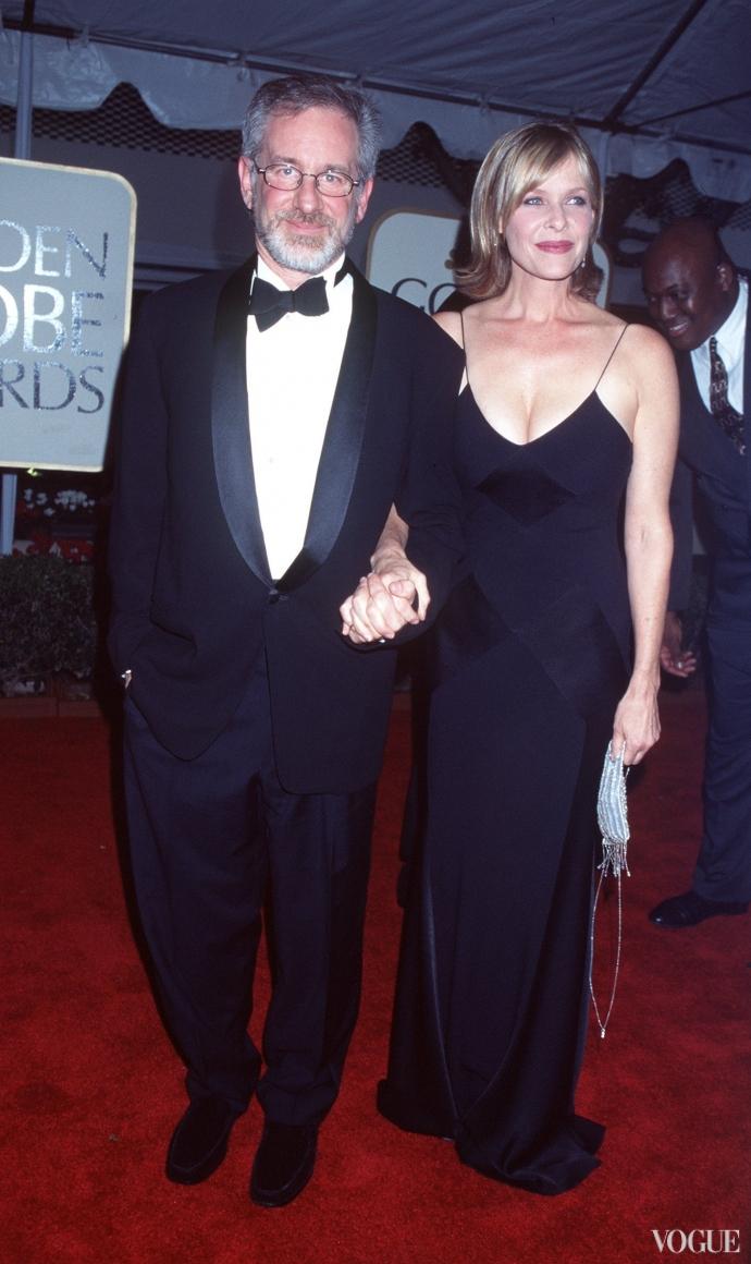 Стивен Спилберг с супругой (1999)