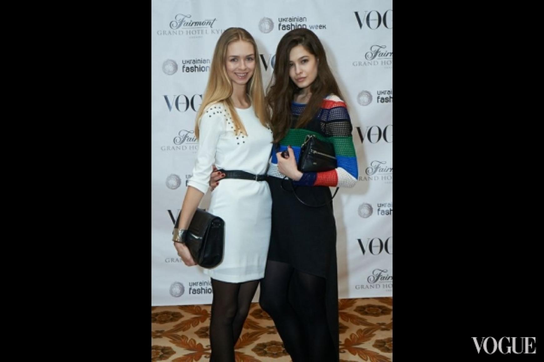 Кристина Буряк (справа)