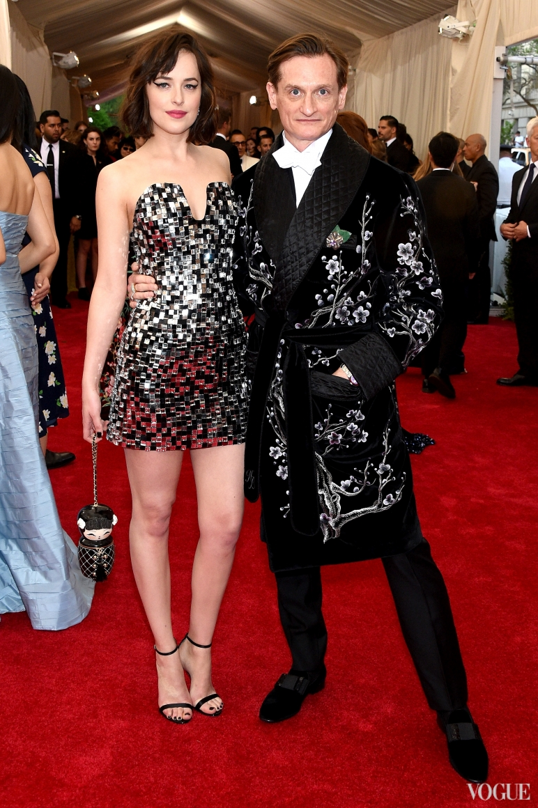Дакота Джонсон в Chanel Couture и Хэмиш Боулз