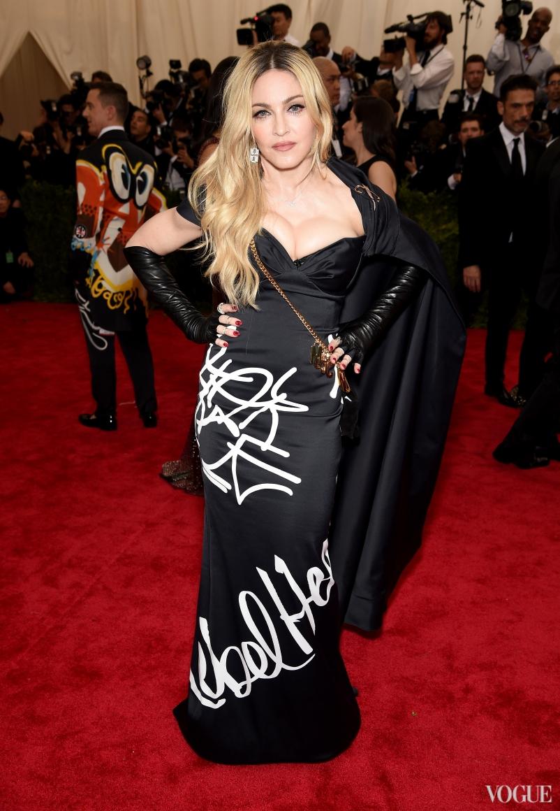 Мадонна в Moschino