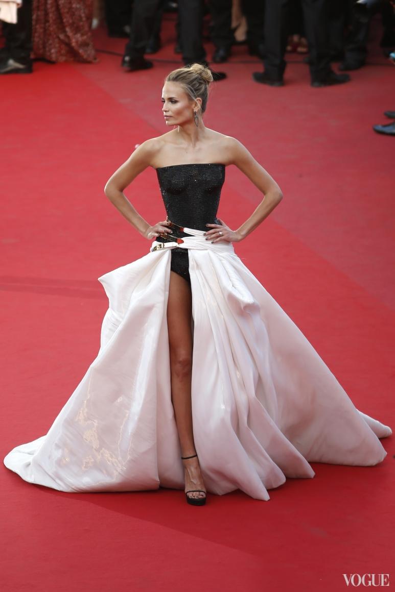 Наташа Поли в Atelier Versace