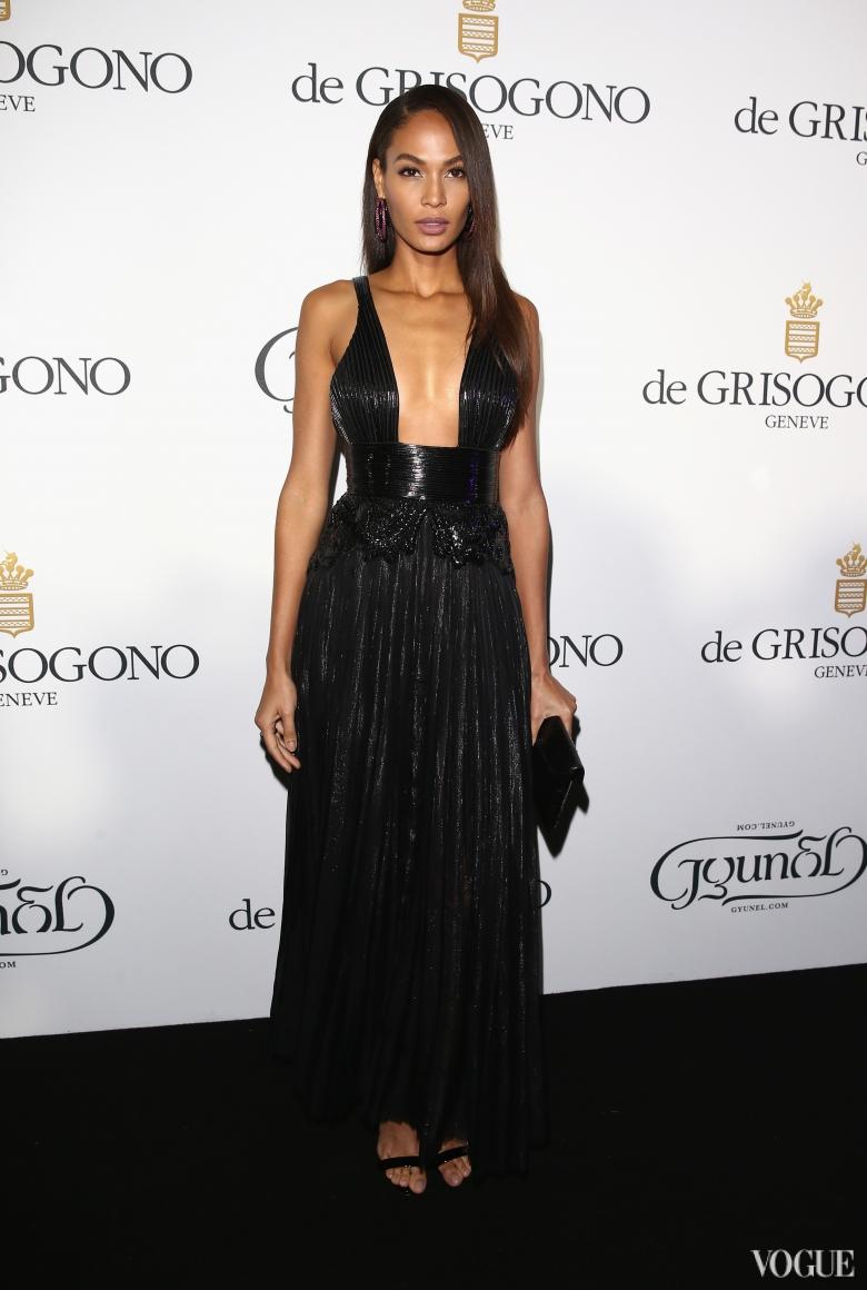 Джоан Смоллс в Givenchy