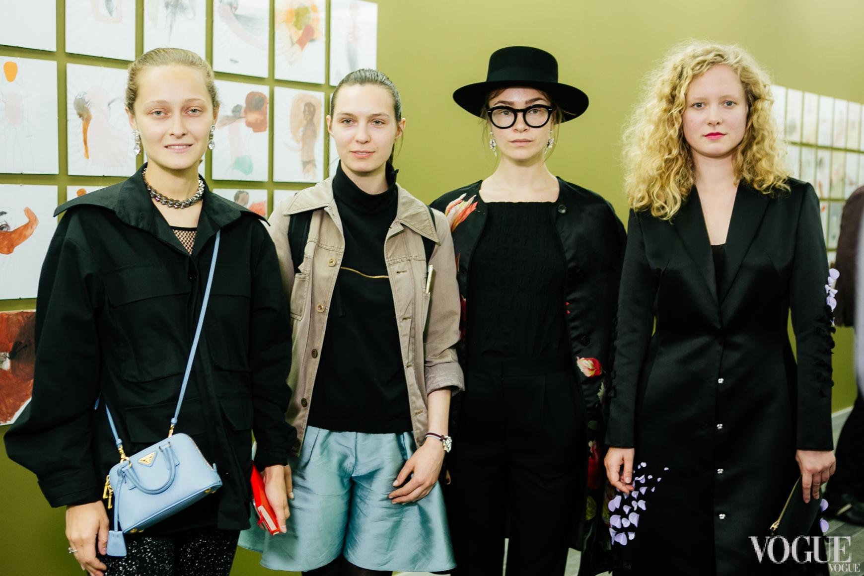 Даша Шаповалова, Наталья Моденова, Надя Шаповал, Анна Октябрь
