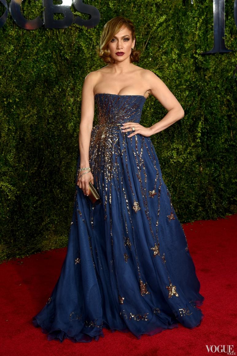 Дженнифер Лопес в Valentino Couture