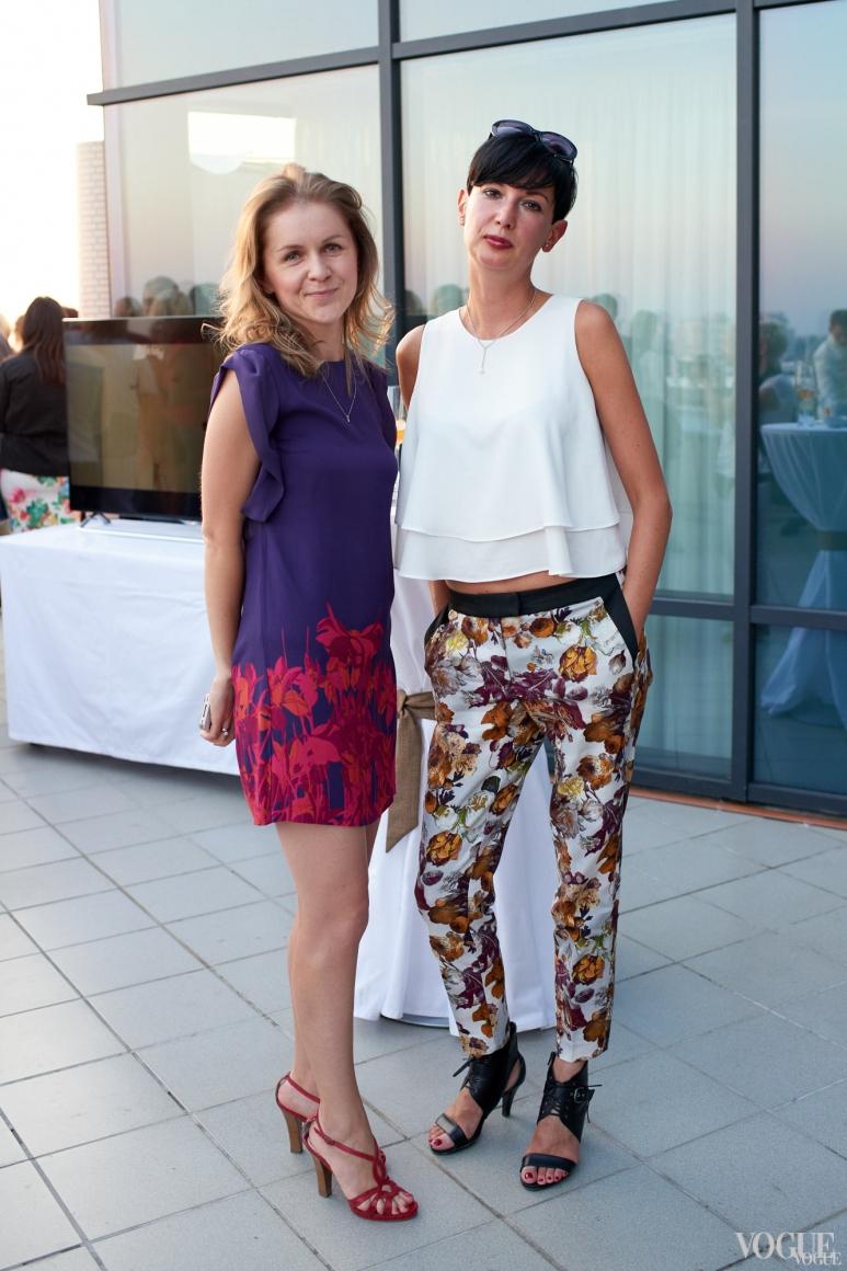 Виолетта Скодорова (справа)