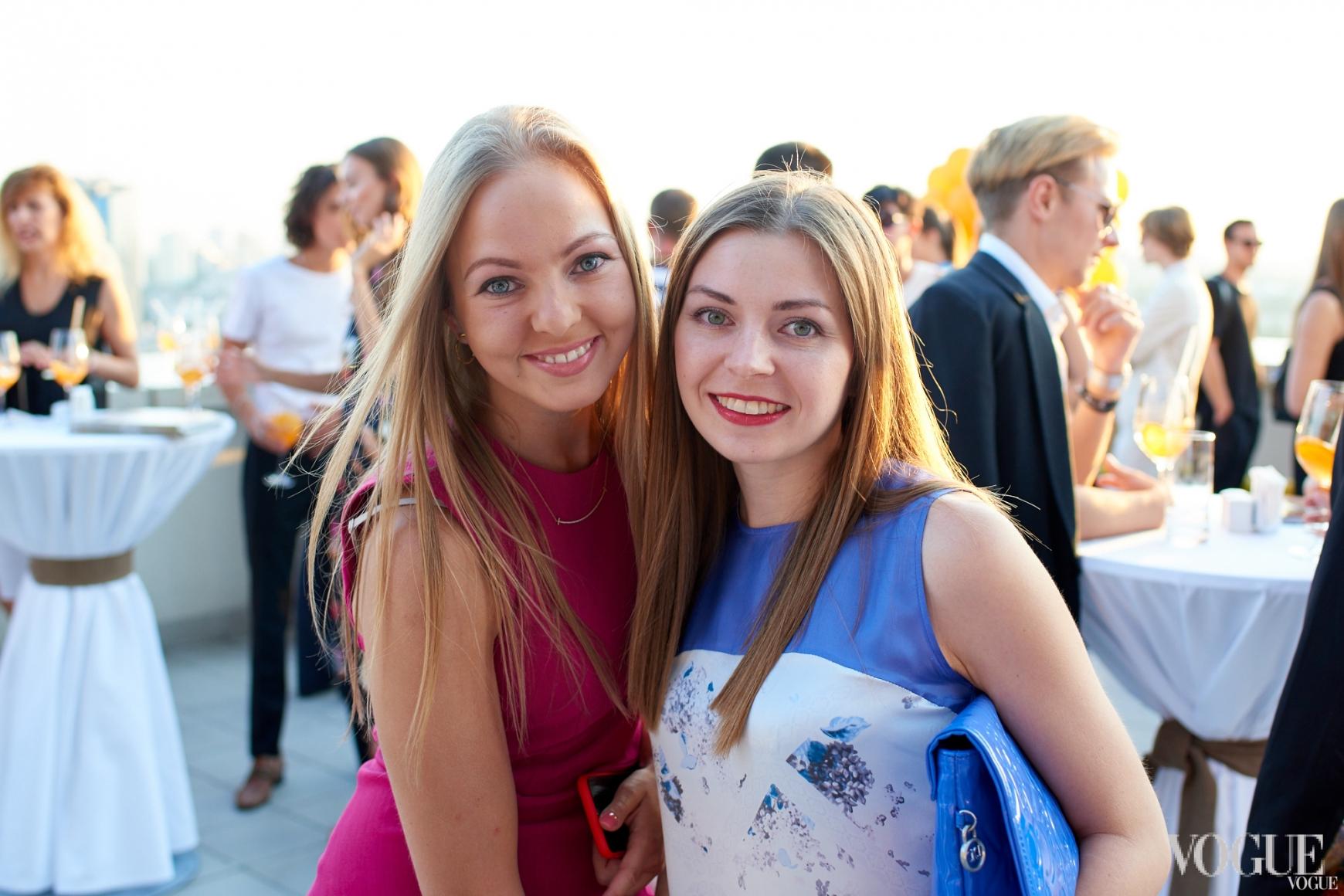 Наталья Лавринович (слева)