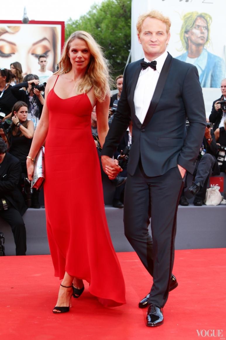 Джейсон Кларк в Dolce & Gabbana