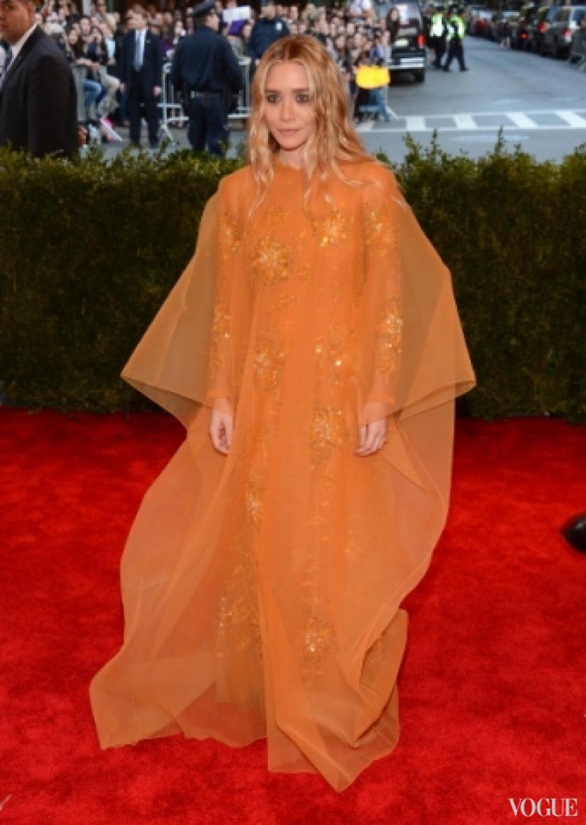 Эшли Олсен в винтажном платье Dior Couture
