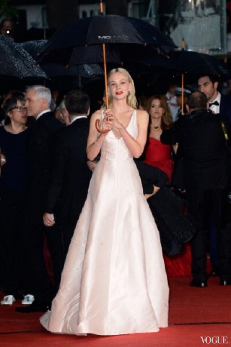Кэри Маллиган в платье Christian Dior Couture и украшениях Tiffany