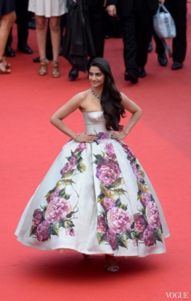 Сонам Капур в платье Dolce&Gabbana