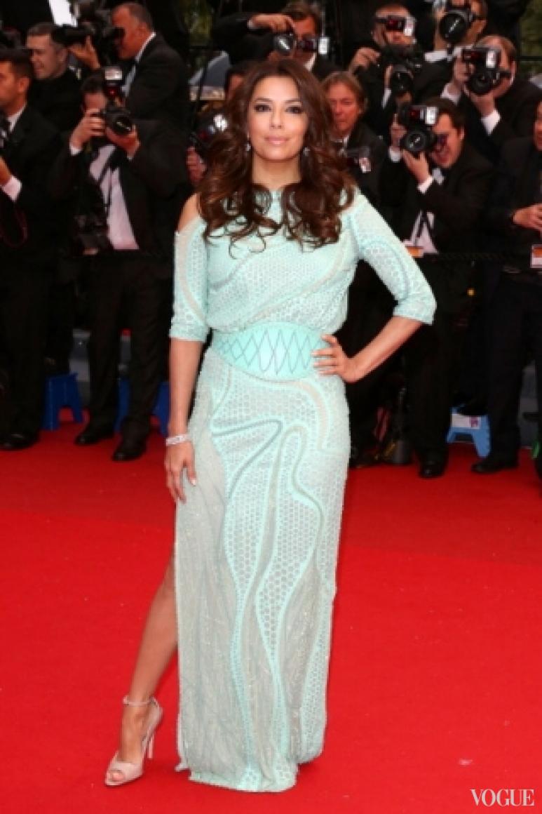 Ева Лонгория в платье Atelier Versace