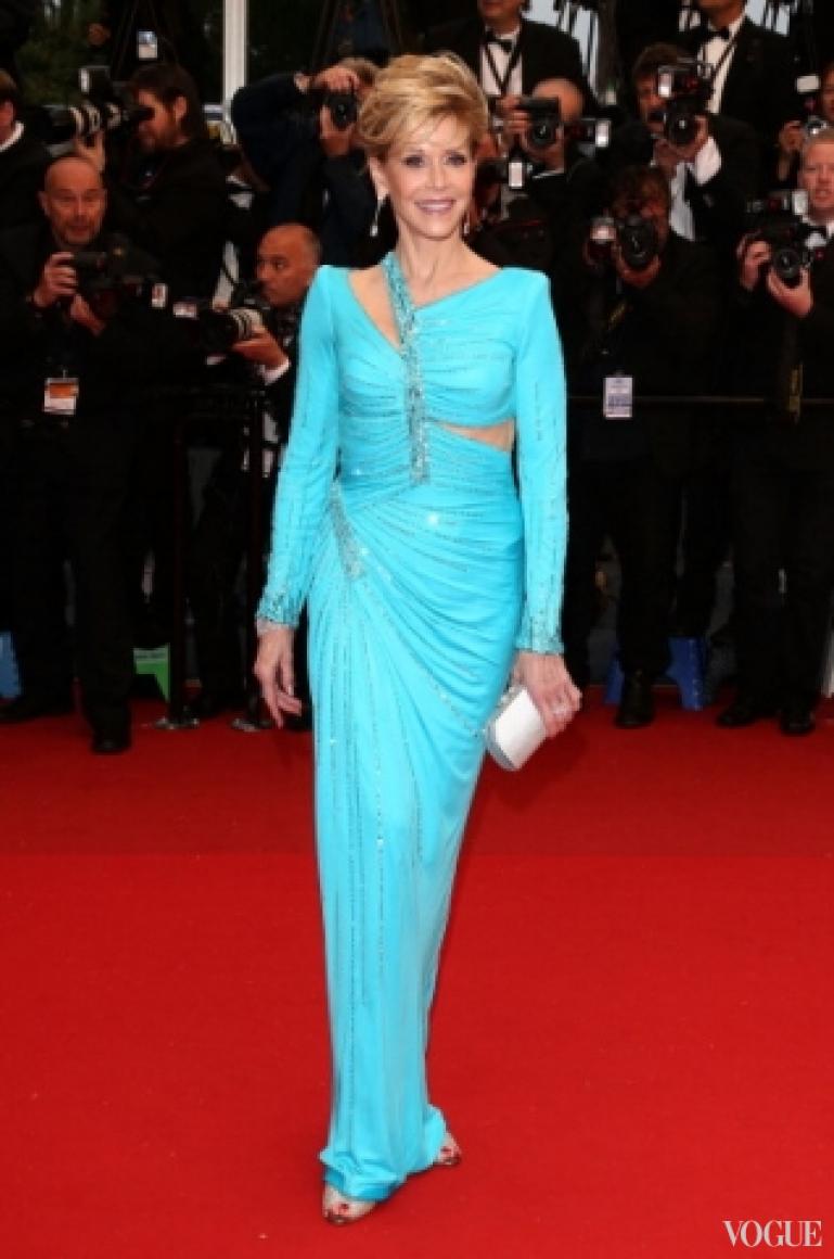 Джейн Фонда в платье Atelier Versace
