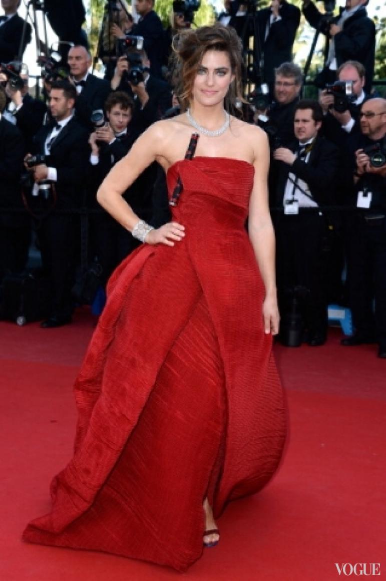 Элисон де Боргес в платье Armani Priv?