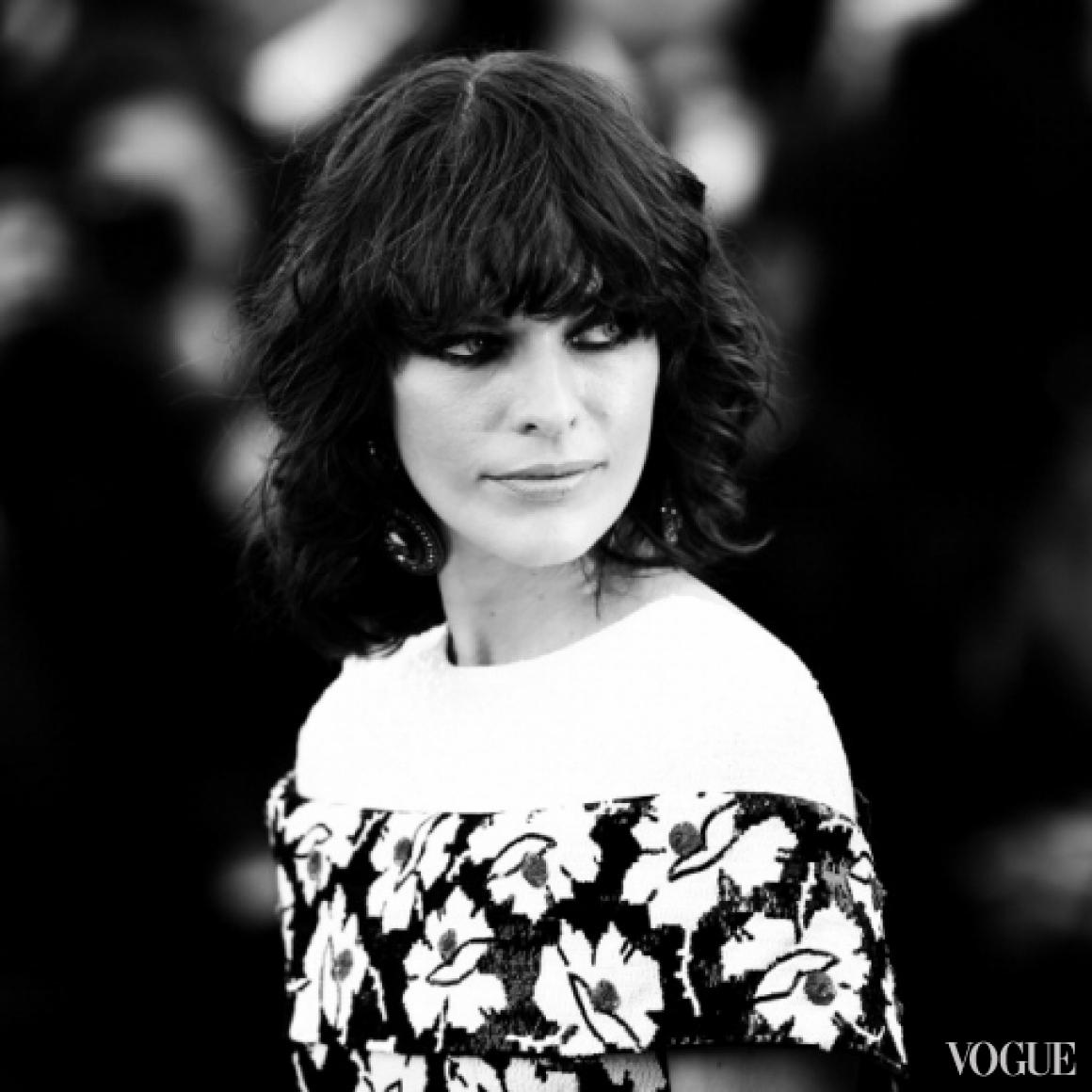 Милла Йовович в платье Chanel Couture